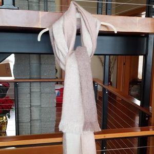 HR  cozy scarf